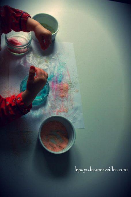 Collage de sel coloré