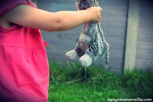 Donner le bain aux poupées (5)