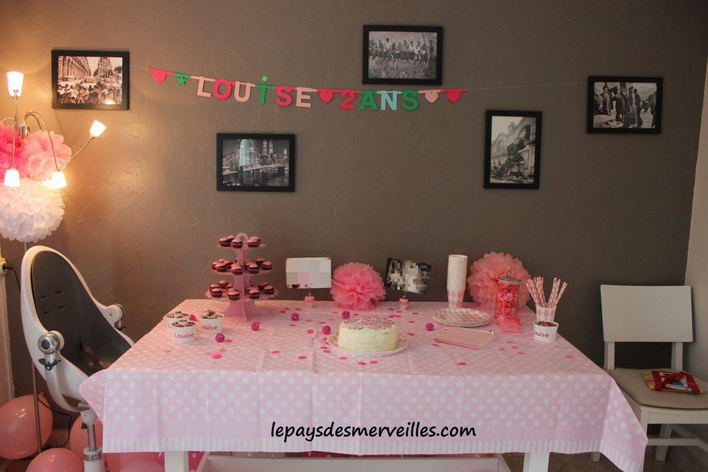 Anniversaire 2 ans thème de la couleur rose