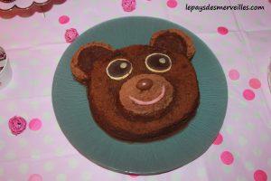 gâteau anniversaire petit ours brun