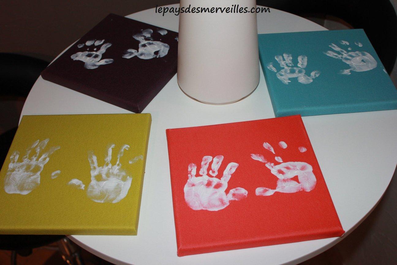 baby art ses empreintes de mains le pays des merveilles. Black Bedroom Furniture Sets. Home Design Ideas