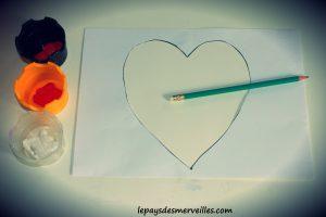 Bricolage coeur peinture - bricolage fête des pères fête des mères (1)