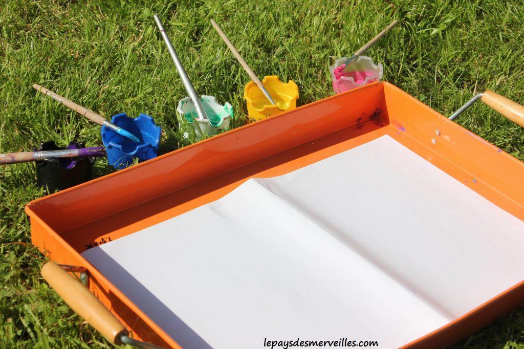Projections et coulures de peinture - atelier traits verticaux maternelles (1)