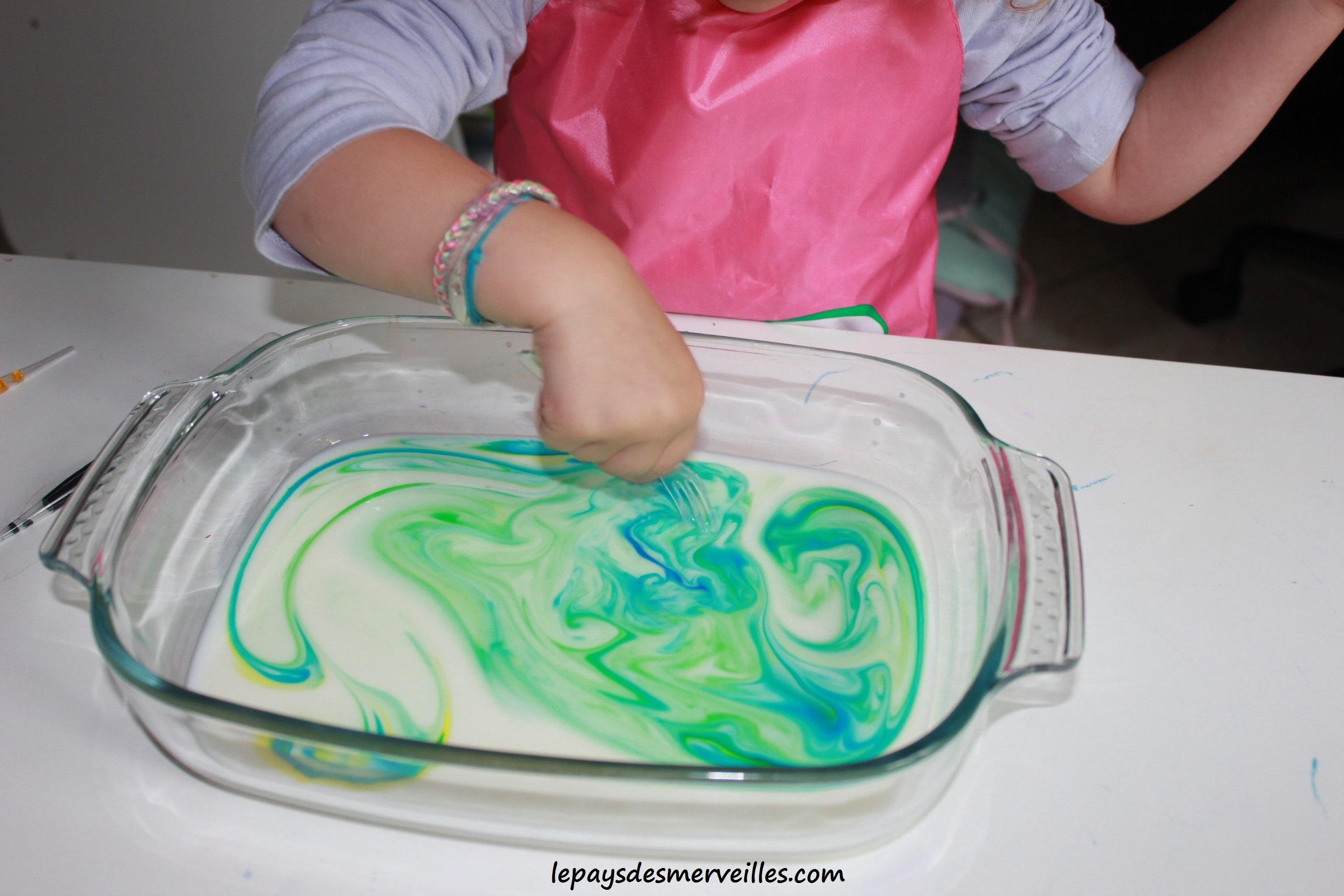 une exprience visuelle avec du lait et du colorant - Colorant Alimentaire Grande Surface