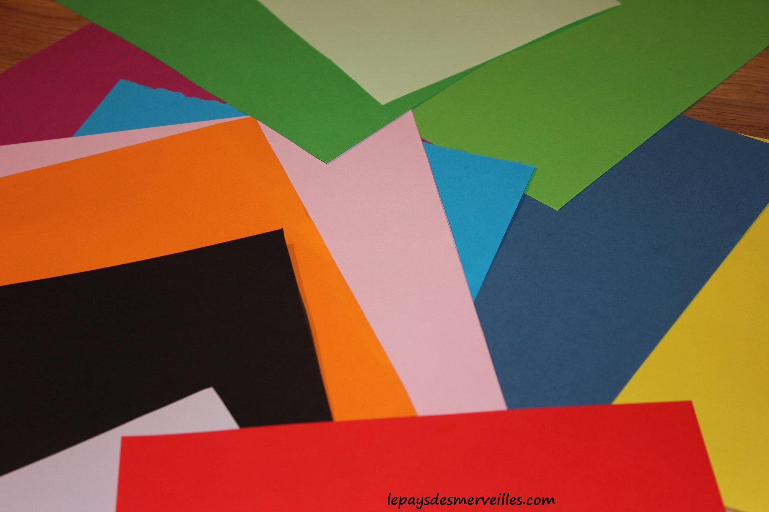 art abstrait avec des morceaux de papier le pays des. Black Bedroom Furniture Sets. Home Design Ideas