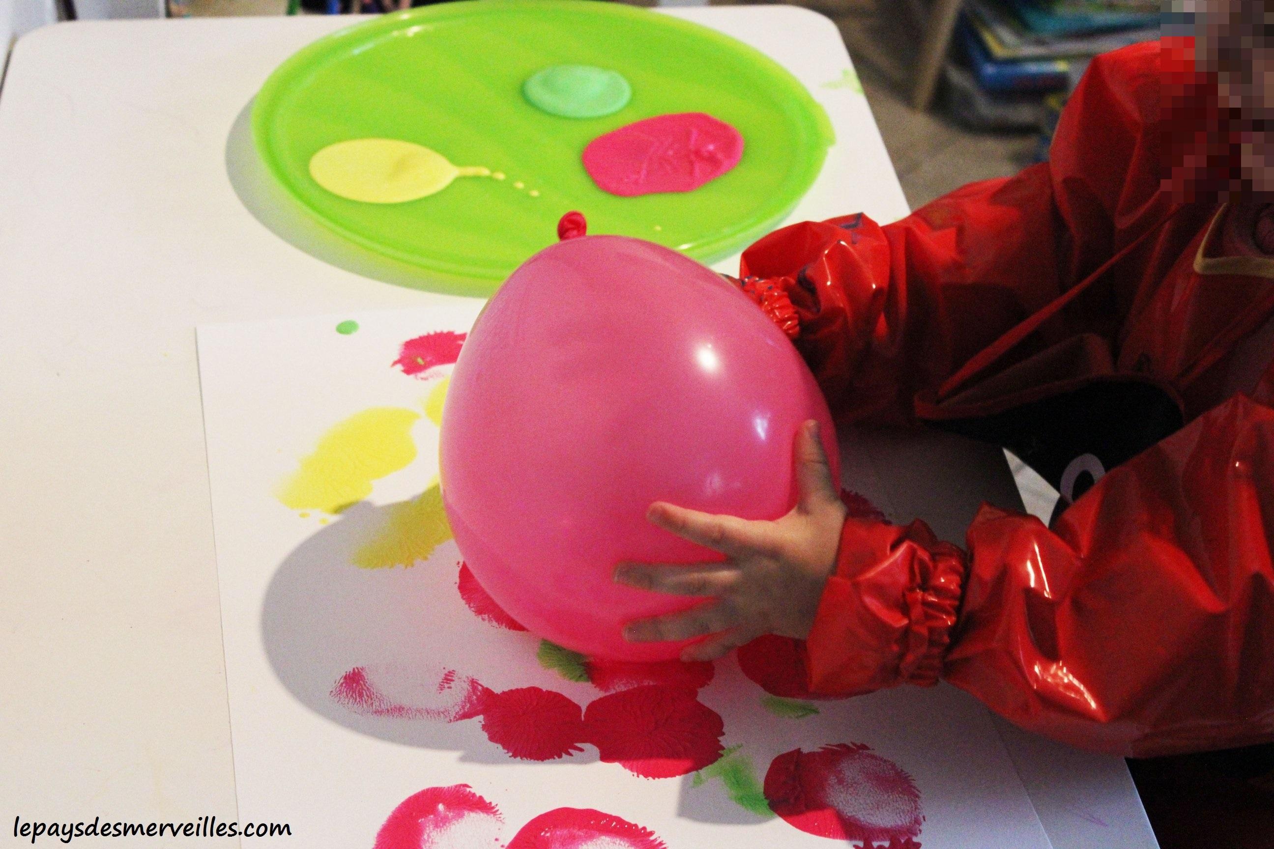 Peindre avec un ballon de baudruche le pays des merveilles for Peindre avec un pistolet a peinture