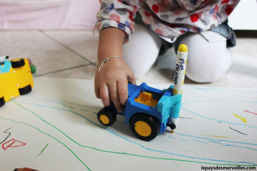 Dessiner avec des voitures (5)