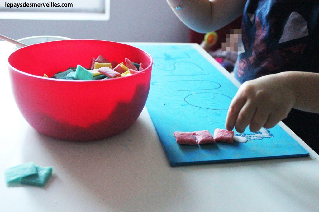 Apprendre à écrire son prénom - pâte à sel (5)