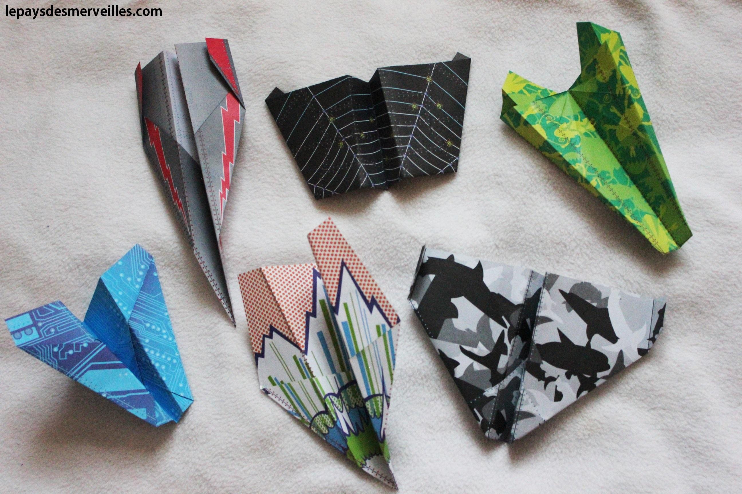 200 avions en papier plier et faire voler le pays des merveilles. Black Bedroom Furniture Sets. Home Design Ideas