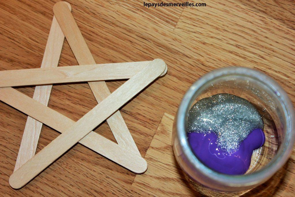 étoile avec des bâtonnets de glace