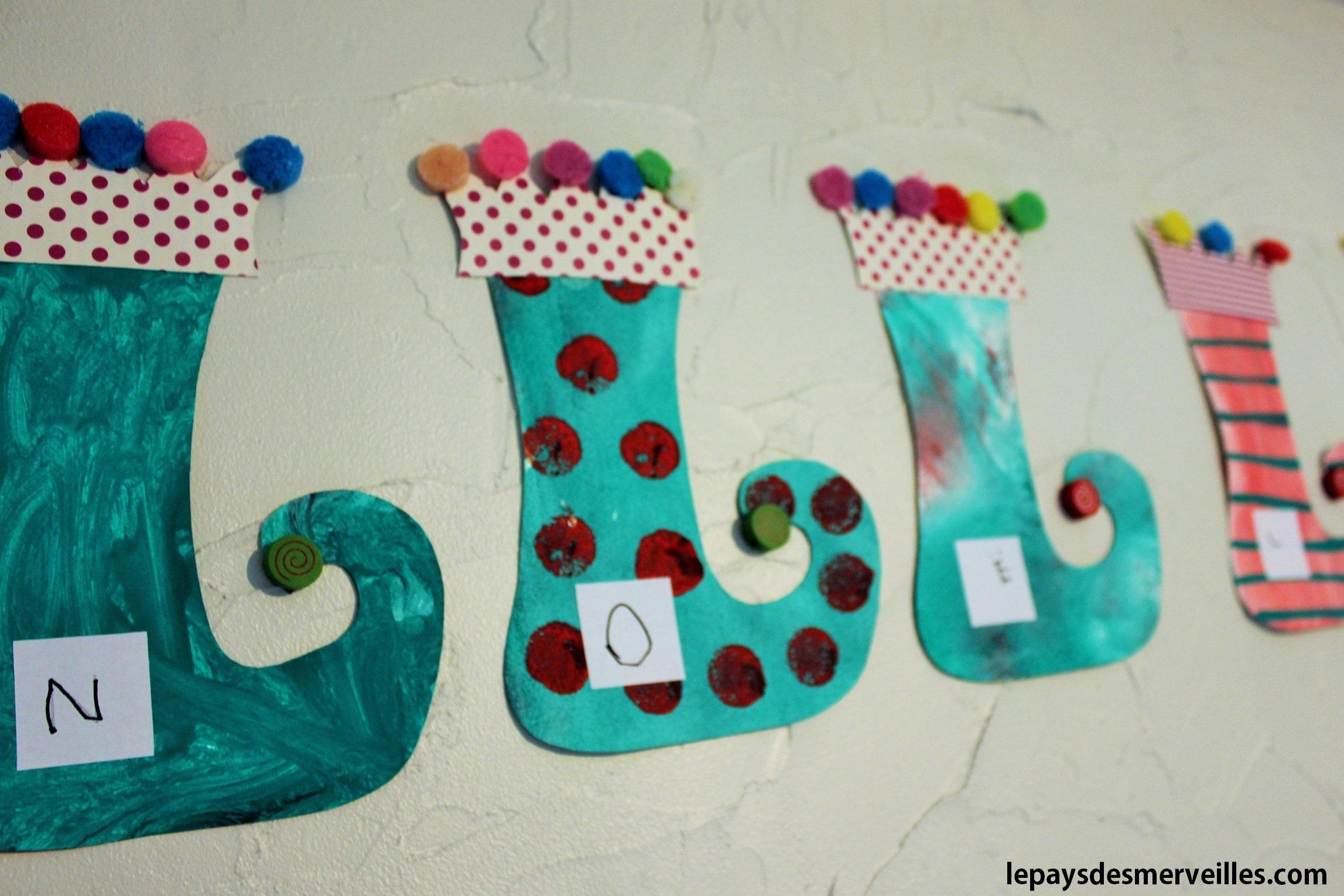 Des chaussettes de lutins l art est un jeu d enfant 2 le pays des for Bricolage guirlande de noel