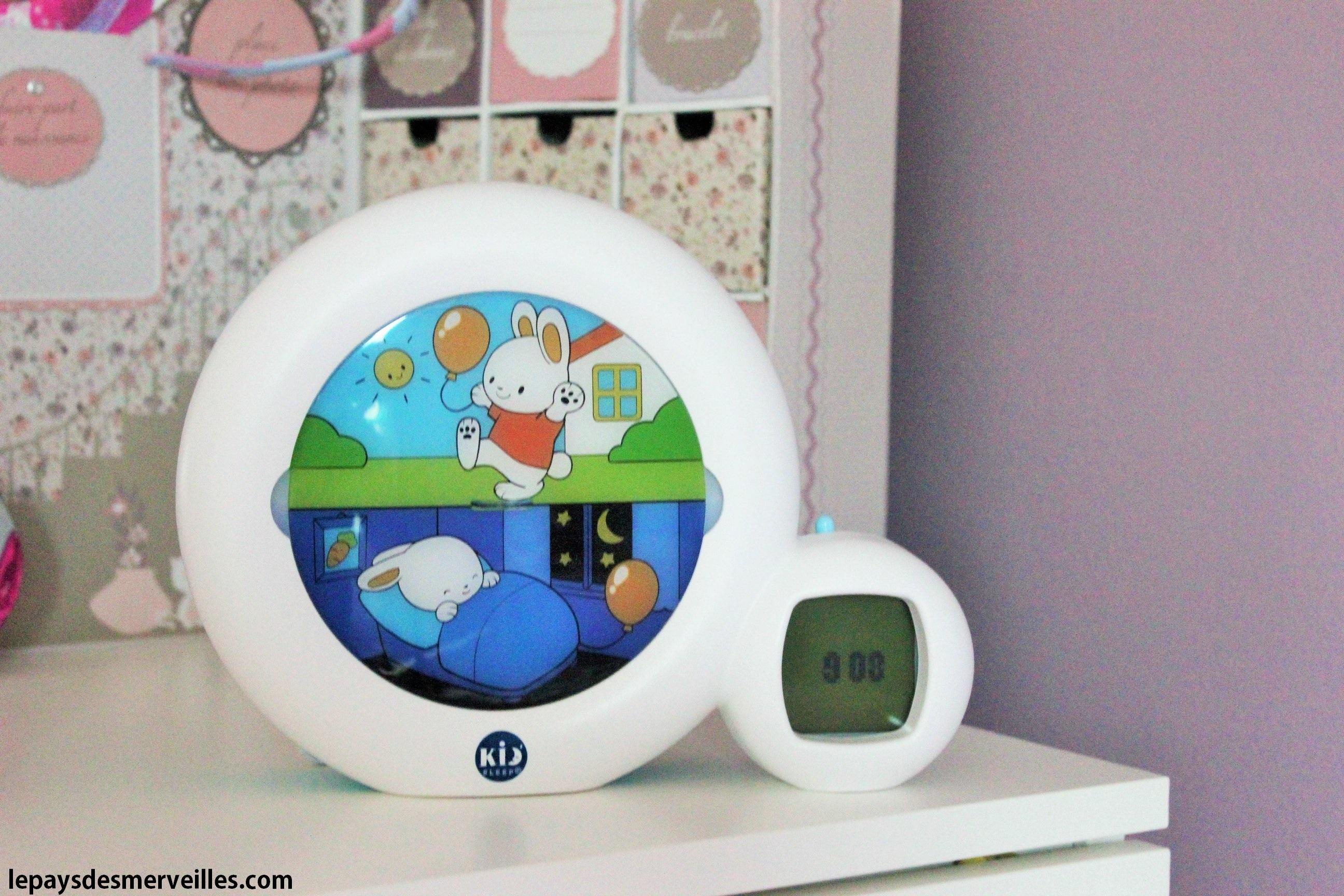kid 39 sleep moon le r veil qui lui indique quand se lever le pays des. Black Bedroom Furniture Sets. Home Design Ideas