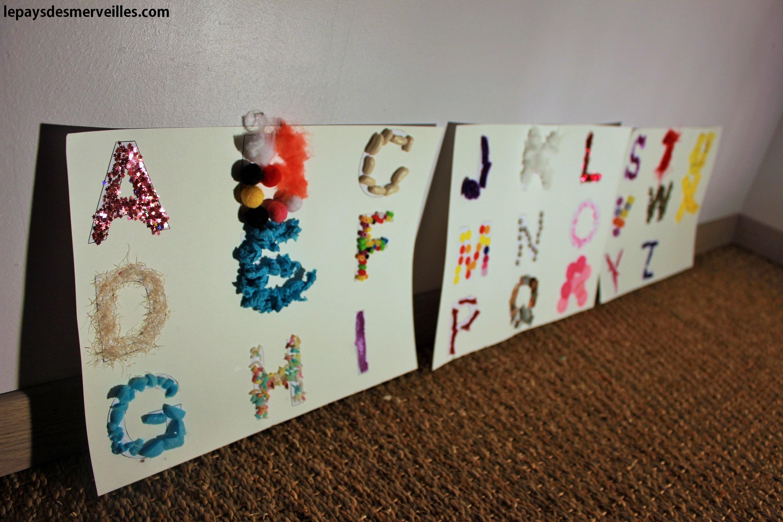 diy apprendre l 39 alphabet en s 39 amusant un tableau alphabet aux diff rentes textures le. Black Bedroom Furniture Sets. Home Design Ideas