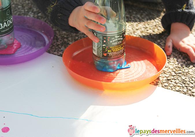 activité manuelle peinture bouteille
