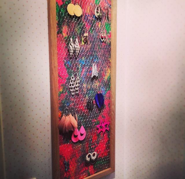 Trois exp riences sur le m lange des couleurs faire avec les enfants l art est un jeu d - Porte boucle d oreille diy ...