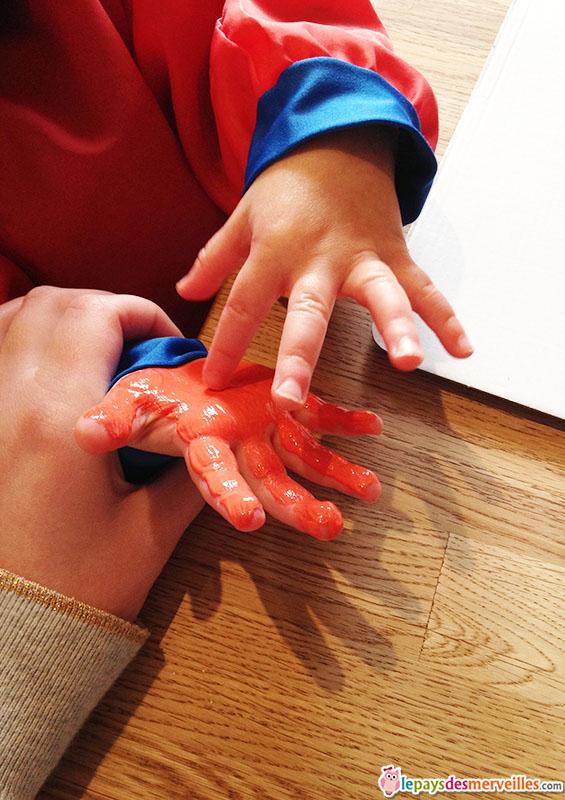 activité manuelle empreinte de mains