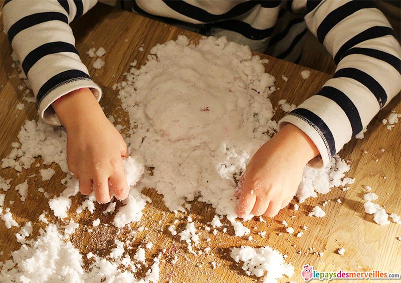 activité sensorielle neige artificielle