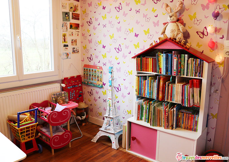 bibliotheque maison fille