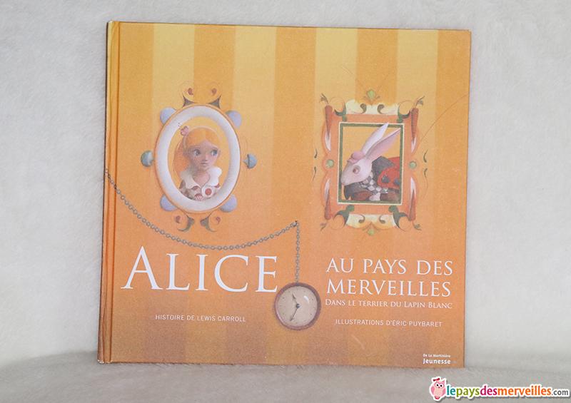 Alice au pays des merveilles dans le terrier du lapin blanc