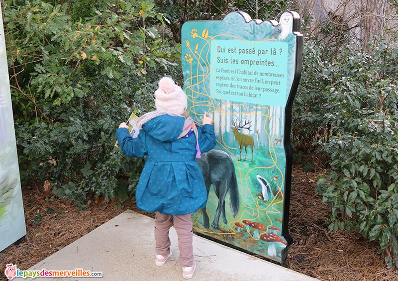 Jeu sur les empreintes d'animaux au zoo de Paris