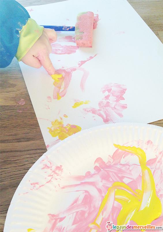 peinture flamant rose empreinte main