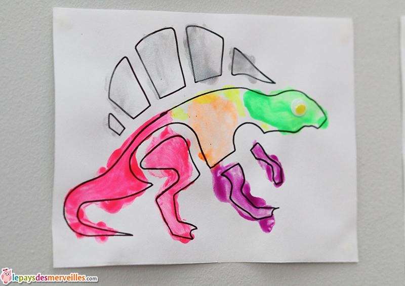 pochoir dinosaure