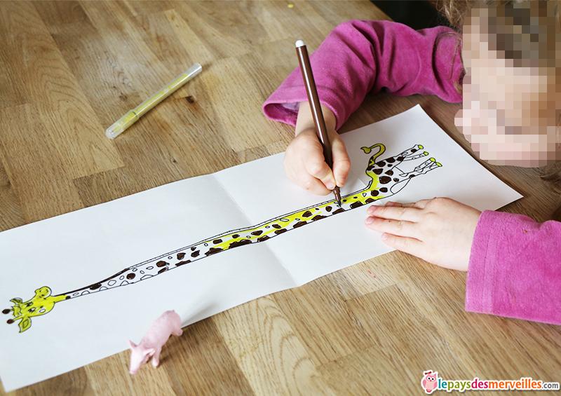 coloriage enfant girafe