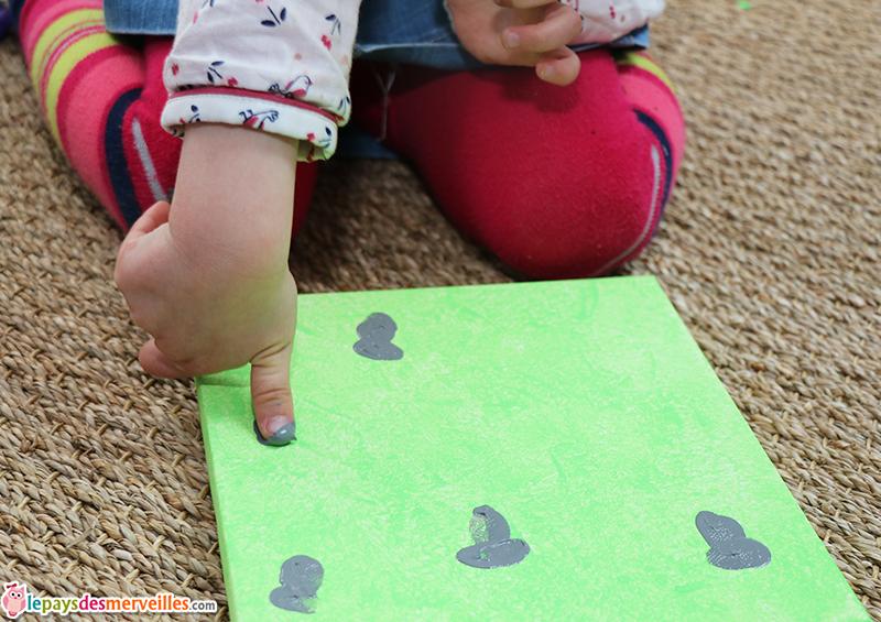 peinture empreintes doigts lapin