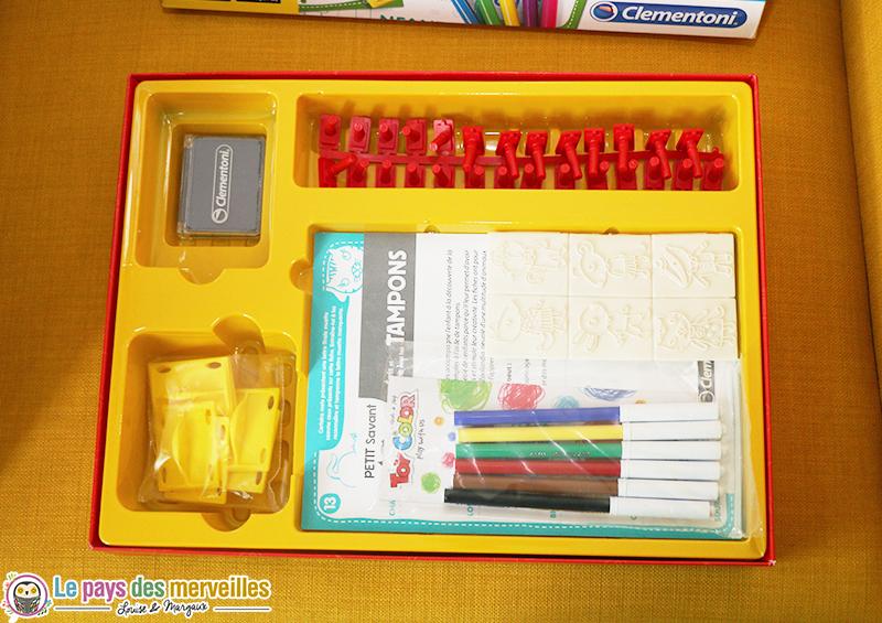 jeu ecris et dessine avec les tampons Clementoni