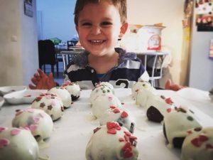 patisserie cake balls