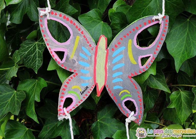 Un mobile papillon en pâte autodurcissante