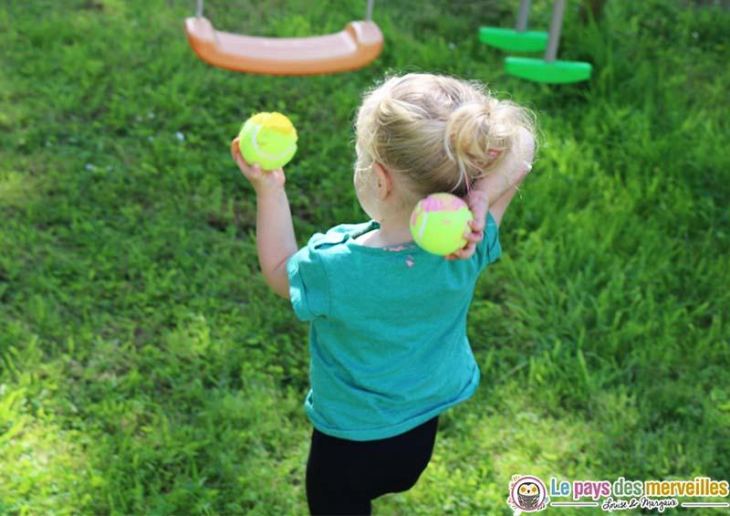bebe peinture balle tennis
