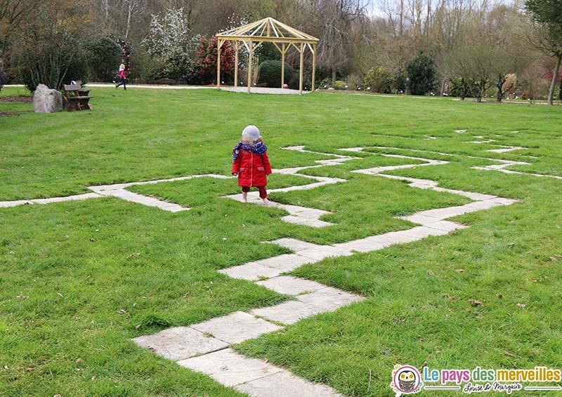 labyrinthe dalle beton