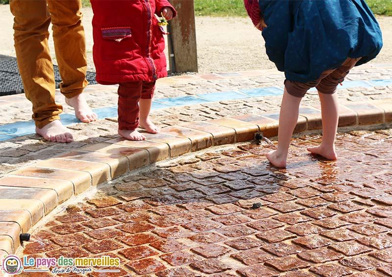 parcours sensoriel pied eau