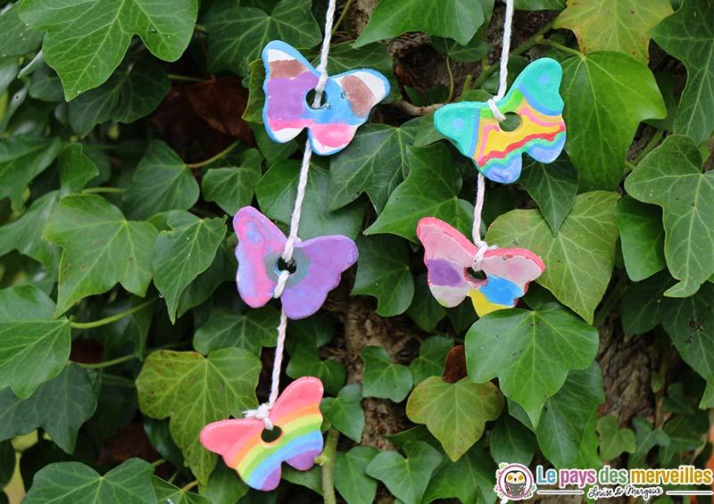 petit papillon pate blanche