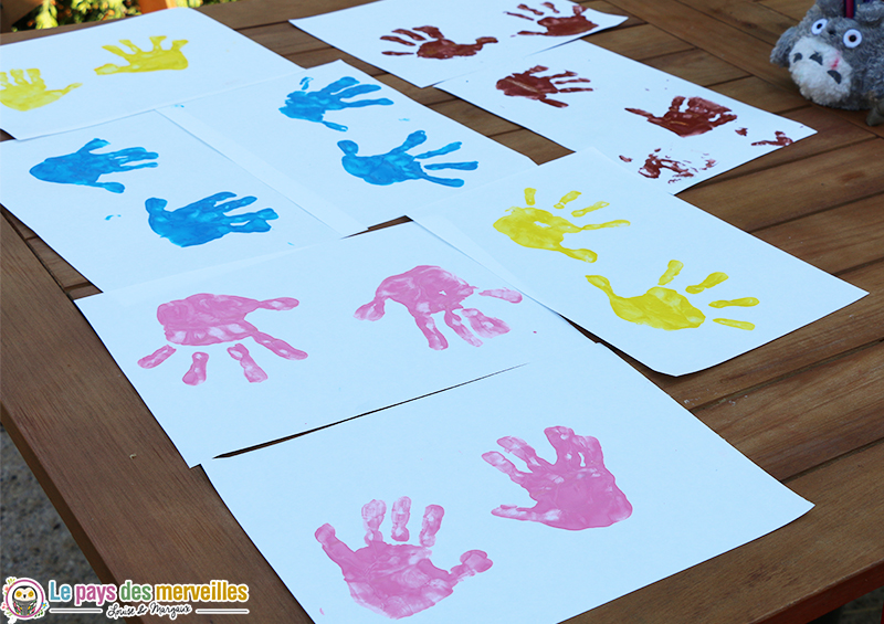 empreinte main peinture multicolor