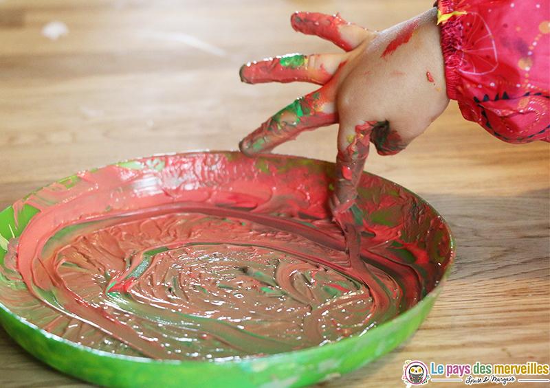 peinture-aux-doigts-sans-danger