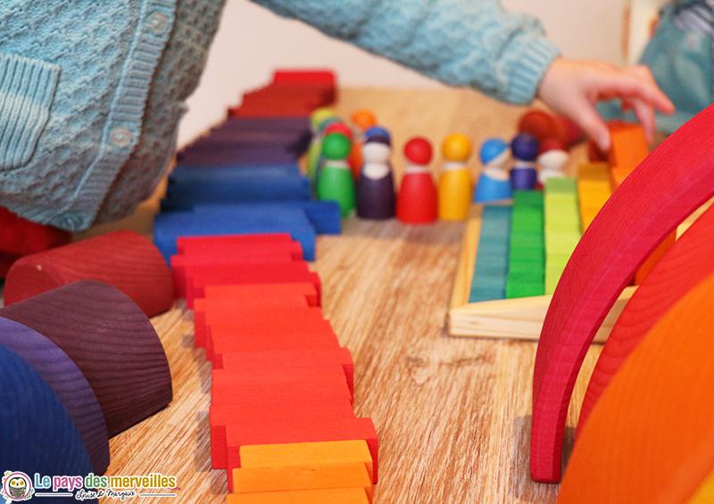Escalier compter grimm 39 s jeu en bois arc en ciel for Construction cube bois
