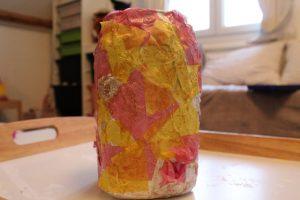 vase papier colle