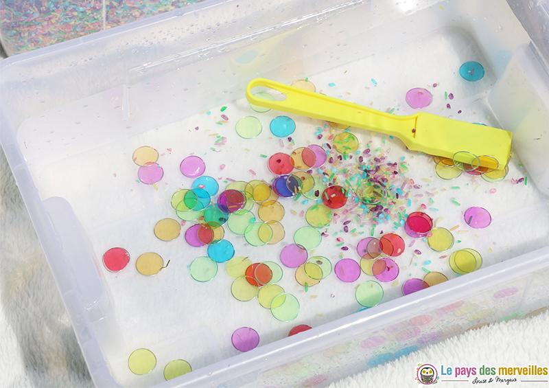 activité sensorielle eau couleurs et aimants