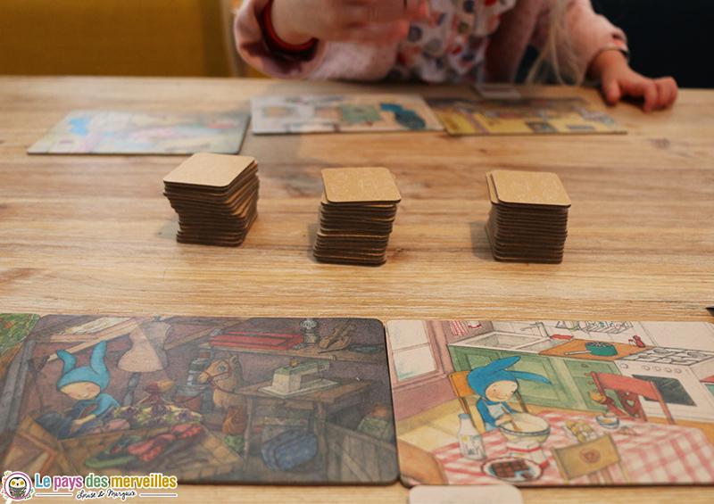 Jouer au loto Montessori de Balthazar avec un enfant de 2ans