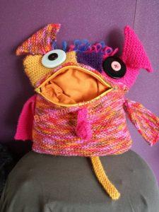 monstre avale soucis en tricot