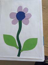 collage de papier pour former un fleur