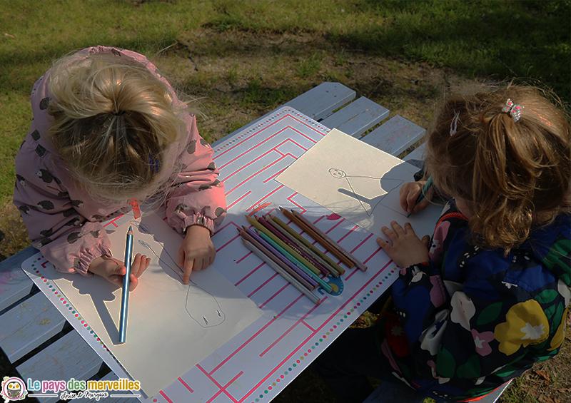 dessiner des bonhommes avec des crayons