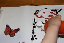 peindre un papillon grâce à une pliure