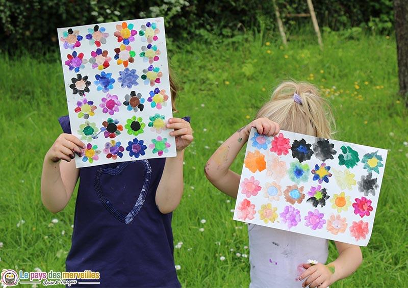 activité manuelle avec des fleurs du printemps