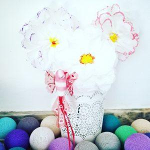 bouquet de fleurs avec des mouchoirs en papier
