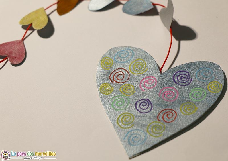 carte coeur décorée avec du graphisme spirale