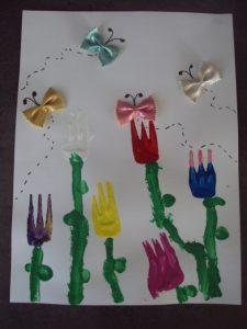 peindre des fleurs avec une fourchette