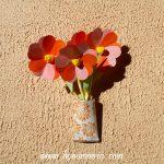 bouquet de fleurs en papier à partir de coeurs découpés